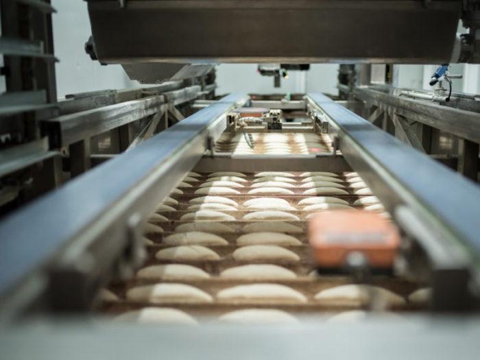 Panadería y fábrica de pan tradicional